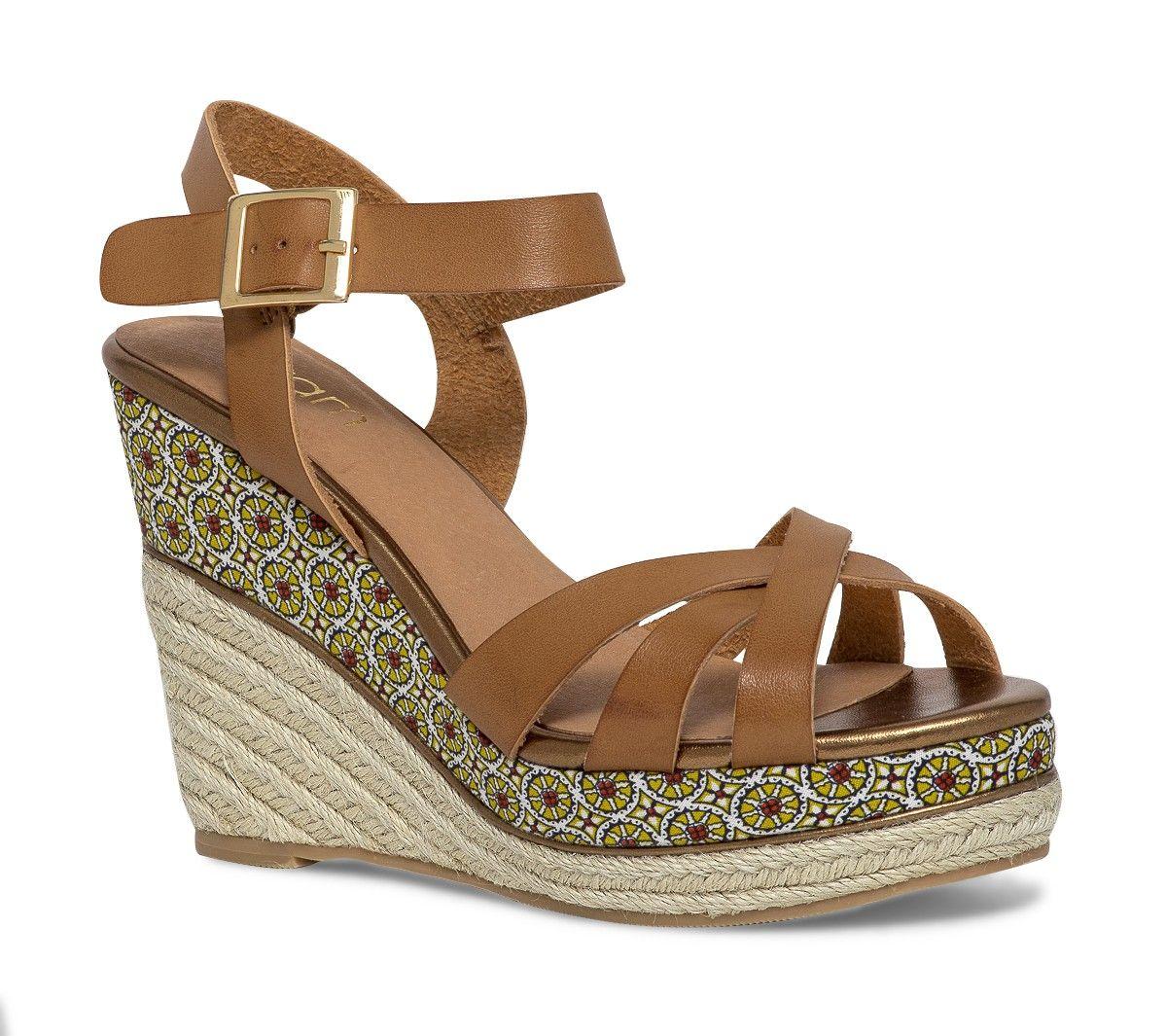 Chaussure a talon compense camel