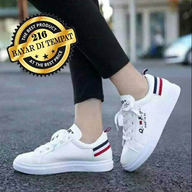 Sneakers nike putih wanita