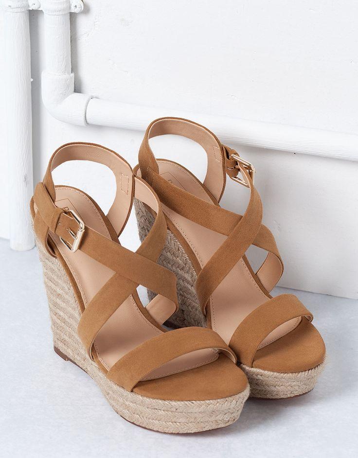 Chaussures compensées femme bata