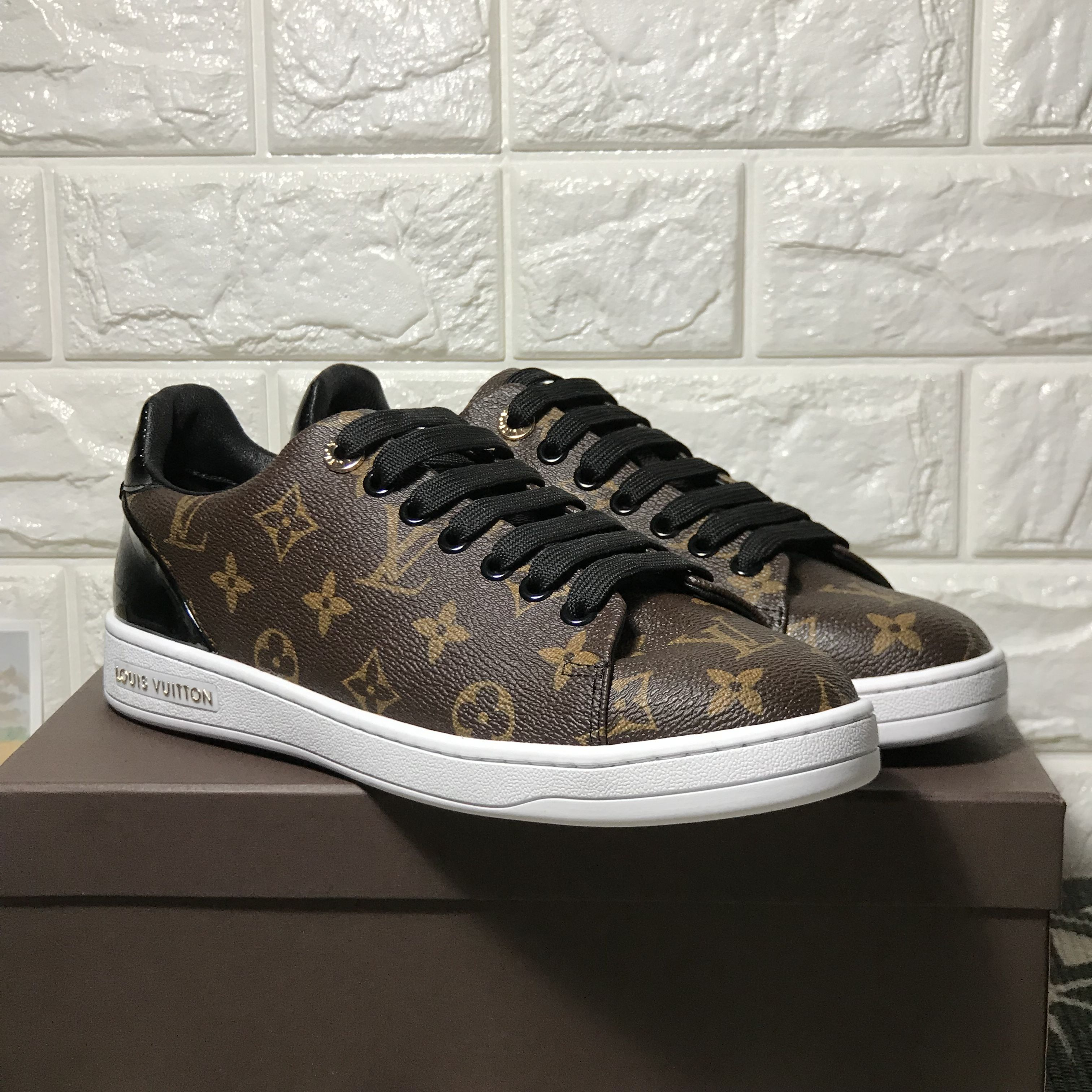 Louis vuitton sneakers low top