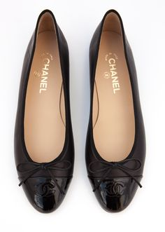Chanel ballerina black