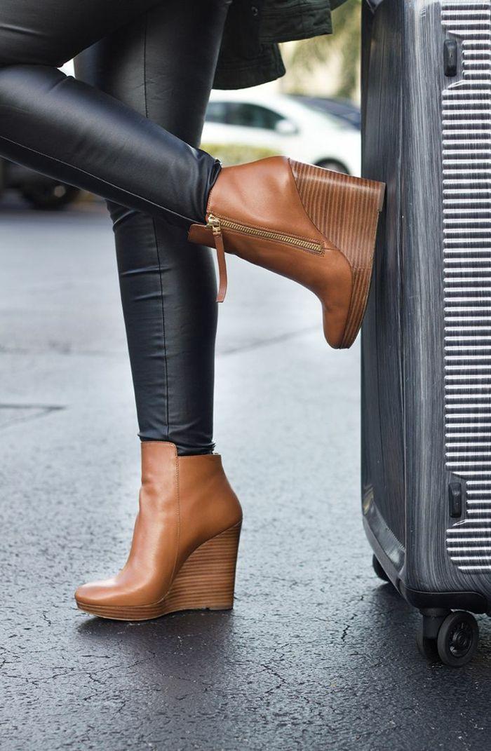 Chaussure compensée cuir