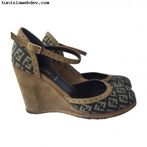 Sandale compensée nike noir