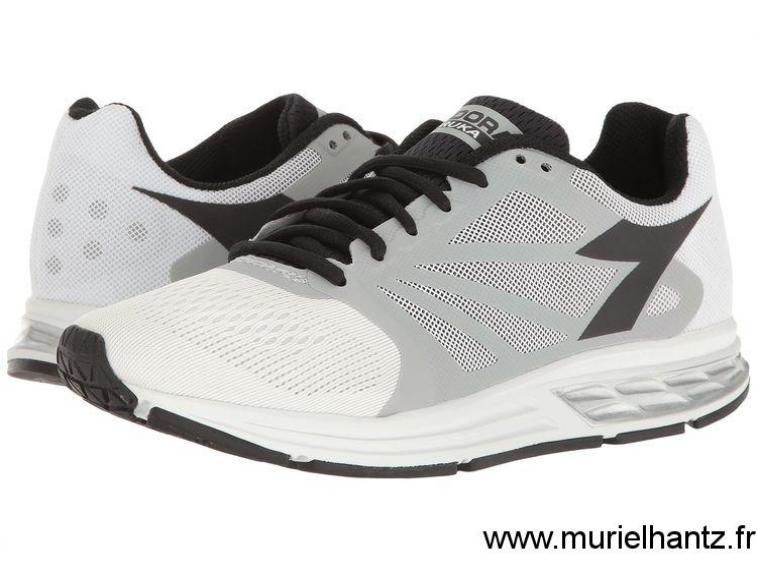 Chaussure running 26