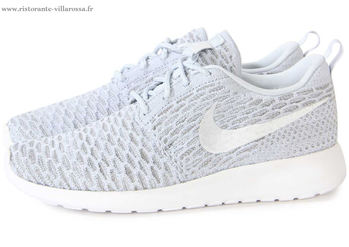 Chaussure nike grise