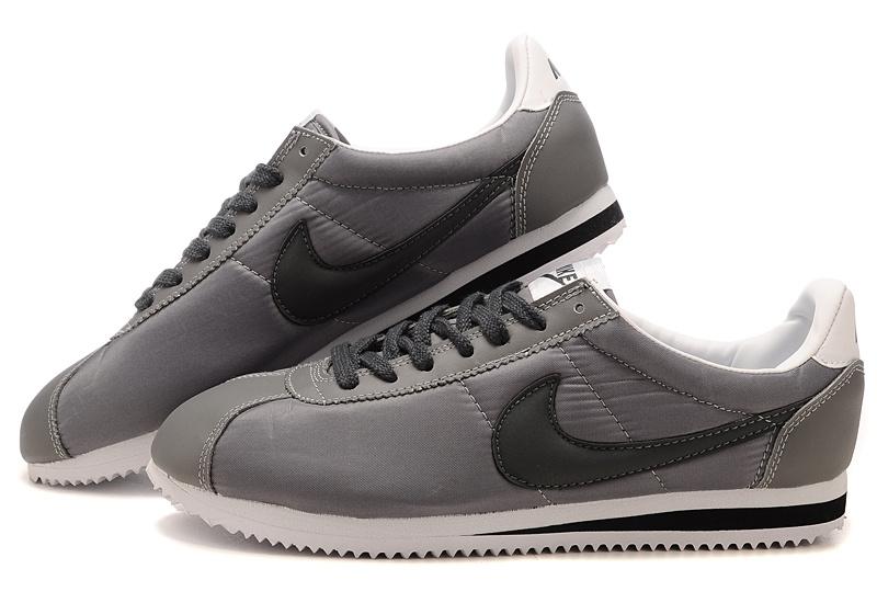 Nike running classic