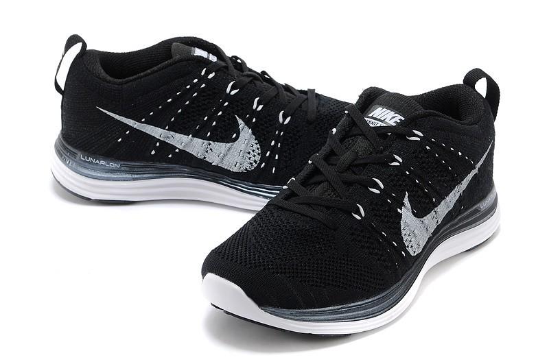 Nike noir running