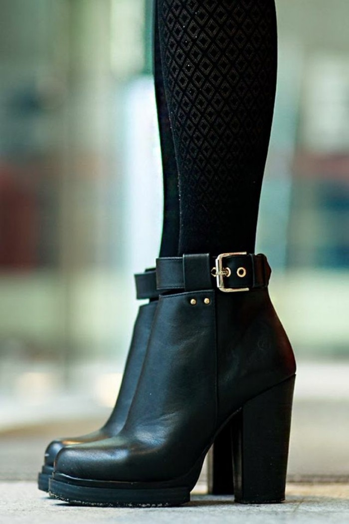 Bottes en cuir noir pour femme
