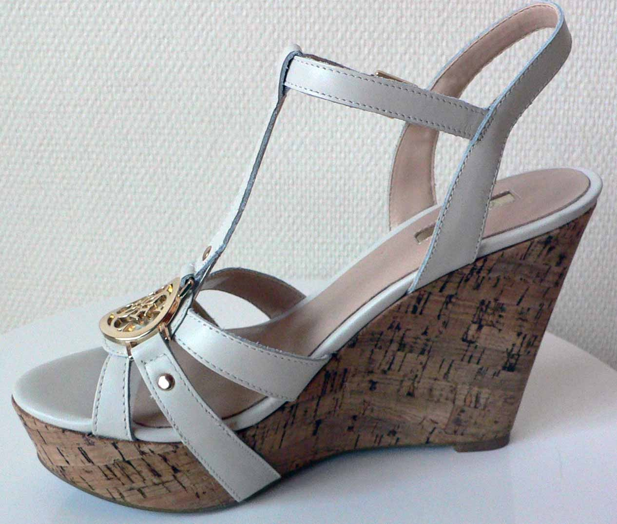 Chaussure compensée blanche guess