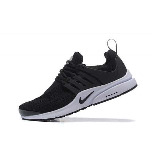 Chaussure nike noir et blanche