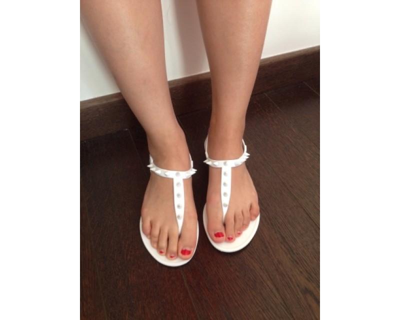 c04498bfb78d Sandale plate blanche pour femme - Chaussure - lescahiersdalter