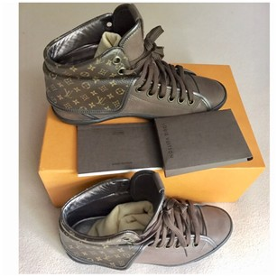 Louis vuitton oversized sneakers