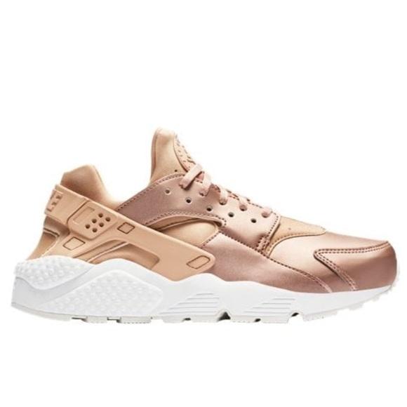Nike sneakers rose gold