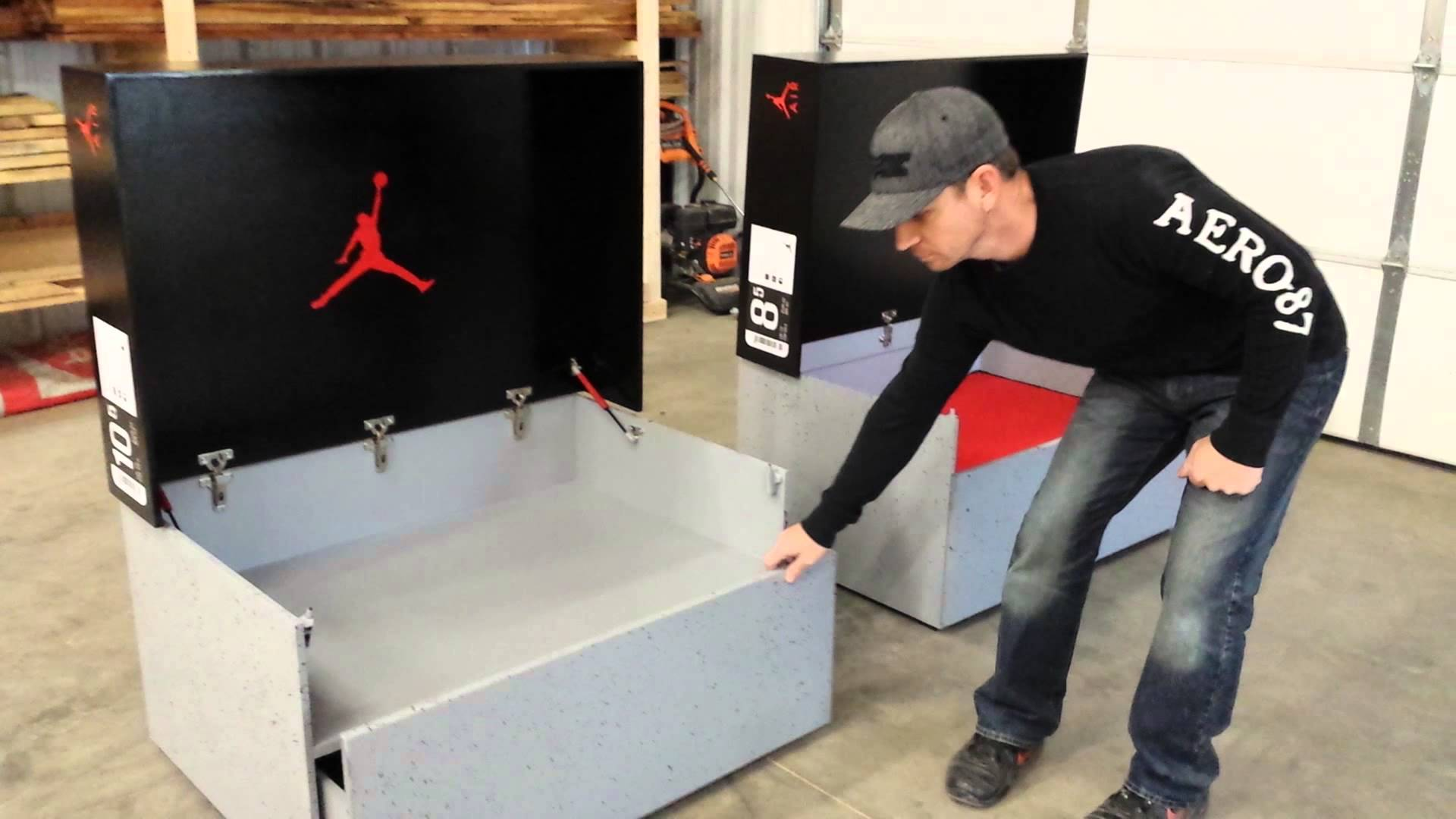Sneakers box