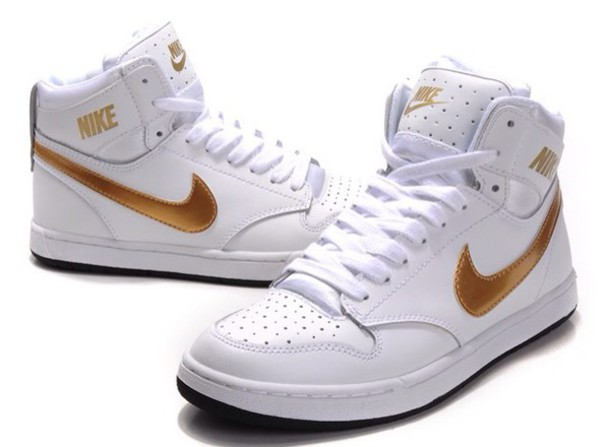 Nike sneakers white and gold