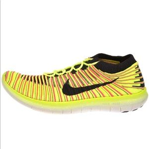Nike running natural